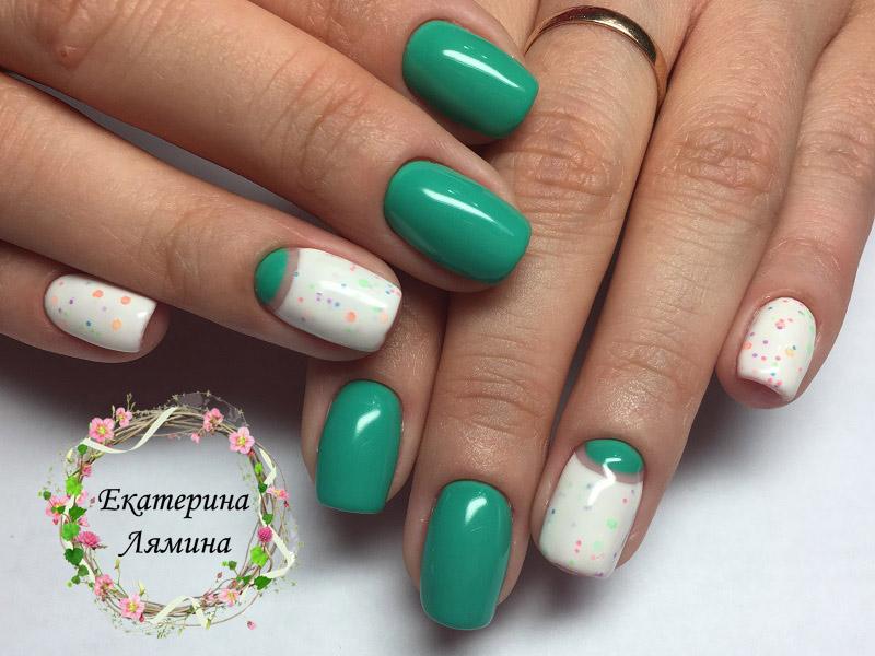зелёный и белый йогурт