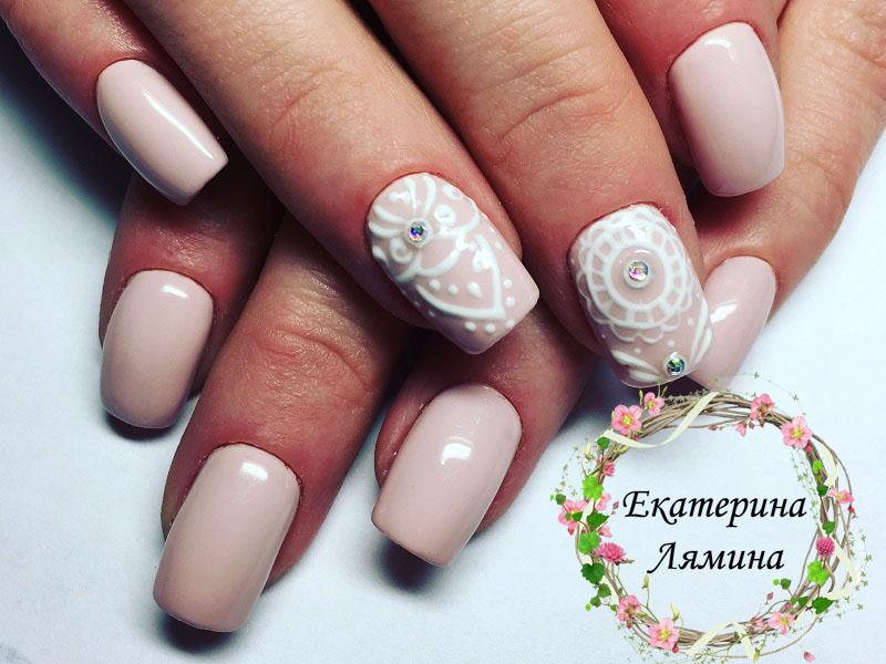 нежный розовый с орнаментами