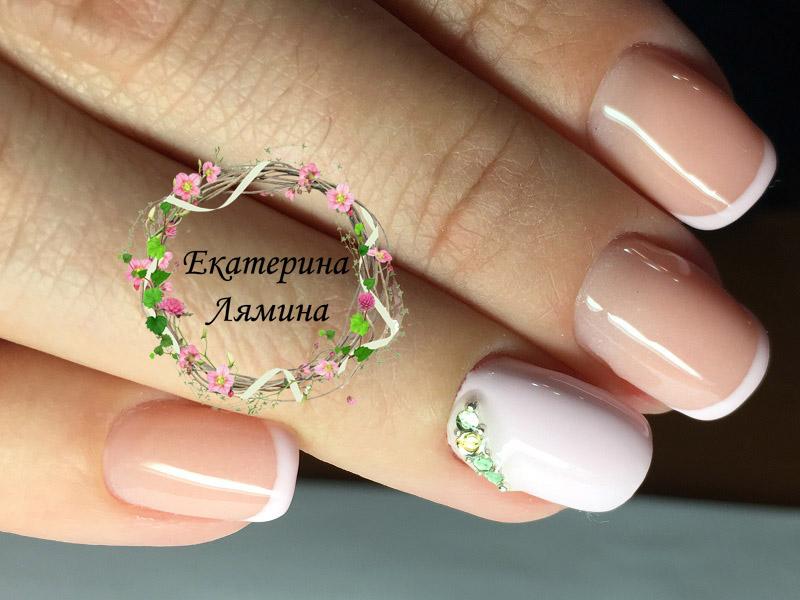 френч с нежно розовыми улыбками