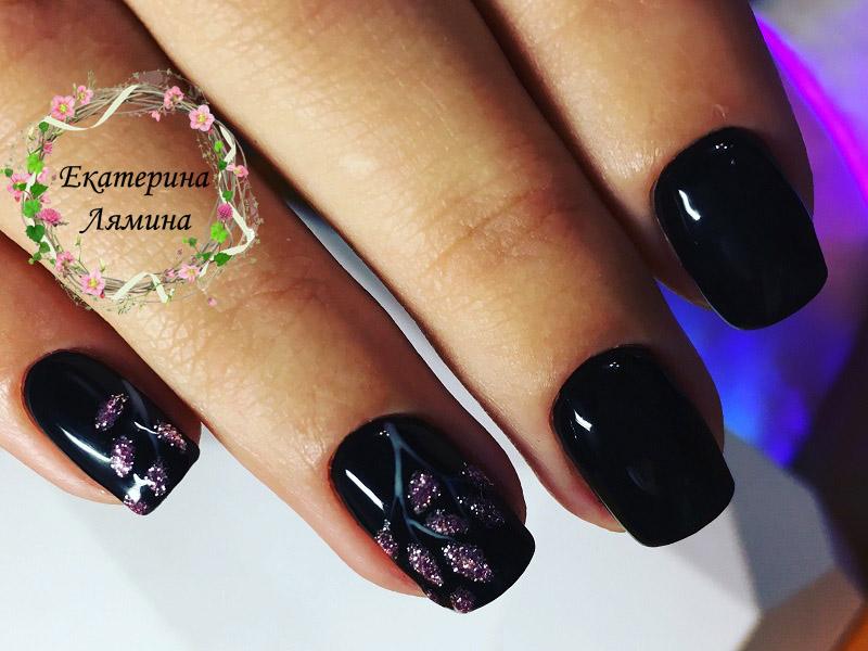 чёрный с веточками
