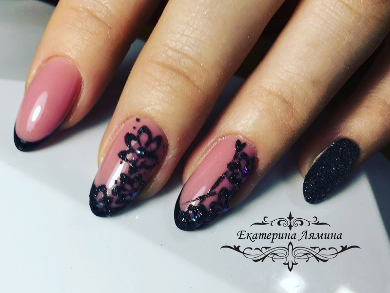 чёрный френч с цветами и снежком