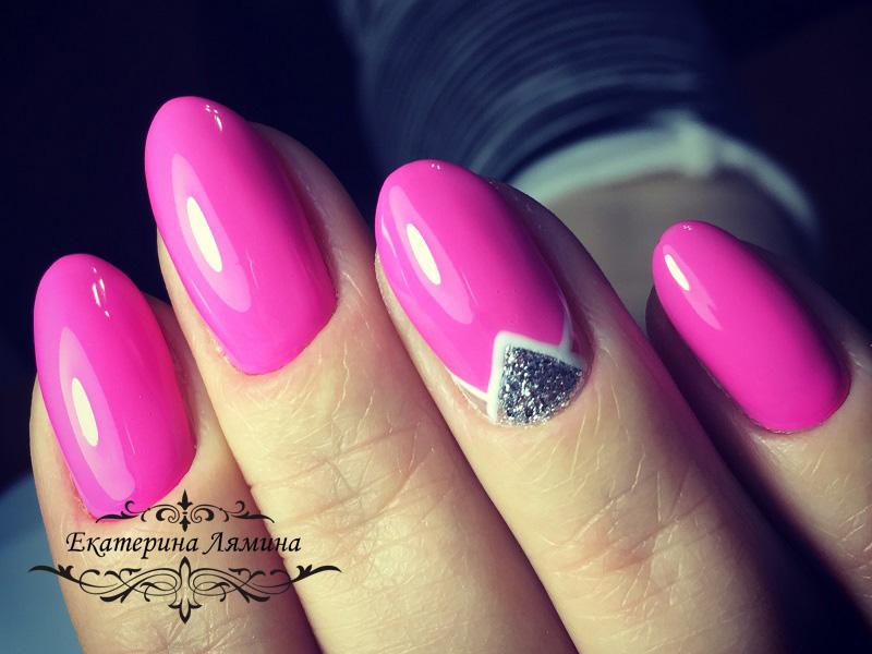 ярко-розовый с антифренчем и треугольной лункой